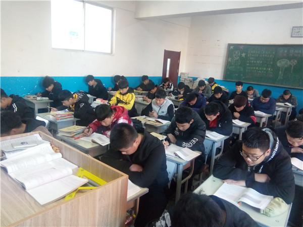 """学生参与""""每日阅读1小时""""活动.jpg"""