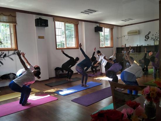 和平苑社区瑜伽健身活动.jpg