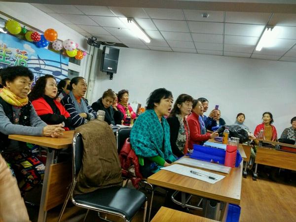 湖滨街道湖西社区、社区教育基地进行声乐训练.jpg